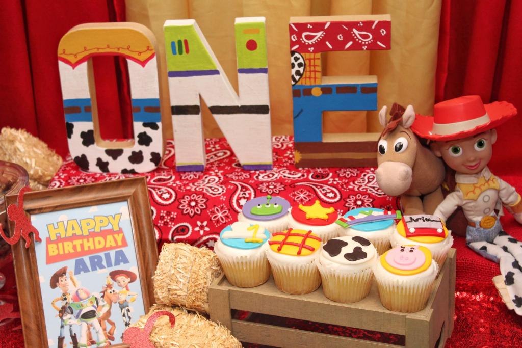 Aria's First Birthday: Toy Story Birthday Party Ideas + Free Printables   Toy Story Birthday Card Printable Free